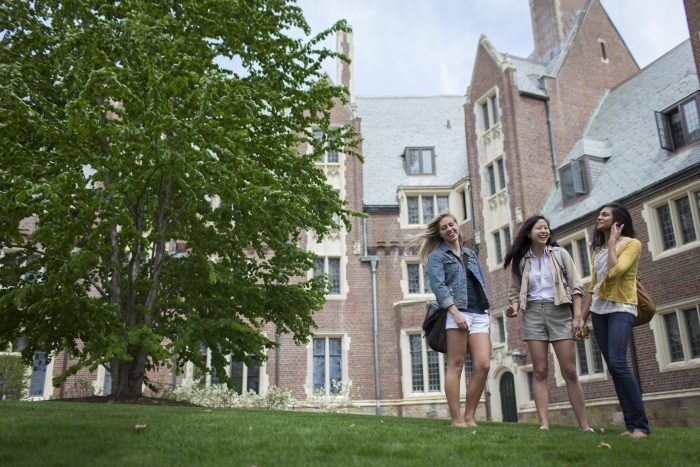 Wellesley-College-students-on-lawn
