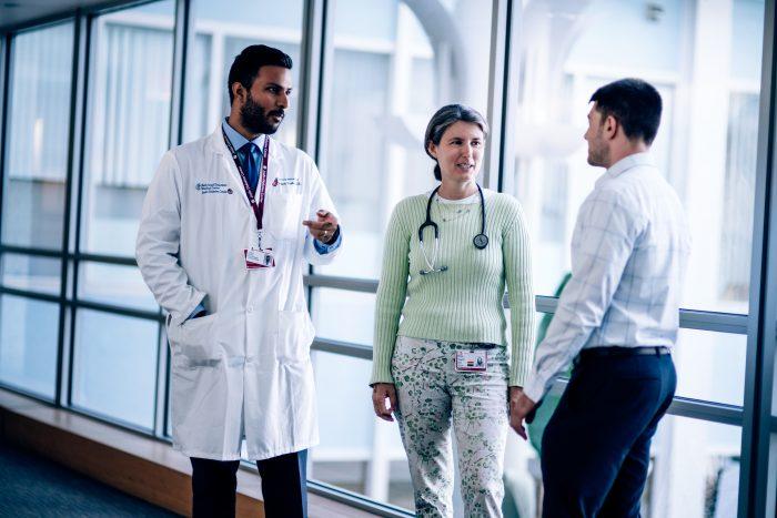 doctors-talking