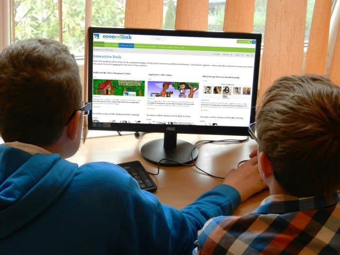 Kids-at-computer